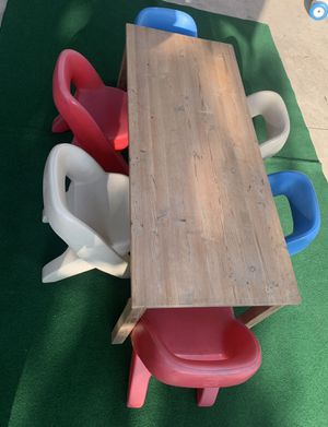 Kids table and chairs 🪑 for Sale in Long Beach, CA