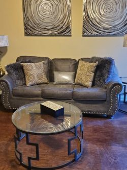 COUCH AND COFFEE TABLES for Sale in DeSoto,  TX