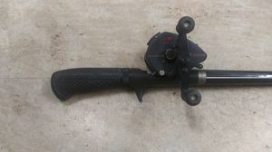 Bait castor reel complete w fishing pole. Near perfect condition for Sale in Clearwater, FL