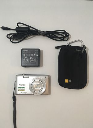 Nikon COOLPIX S3200 16MP Point and Shoot Digital Camera with Belt Loop/Carabiner Carrying Case and Charger w/Adapter for Sale in Londonderry, NH