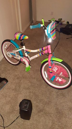 20 inch girls bike for sale, must go. for Sale in North County, MO