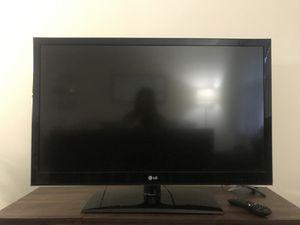 LG 42 inch tv for Sale in Harrisonburg, VA