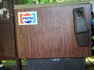 Pepsi machine-vintage chest style for Sale in Smyrna, TN