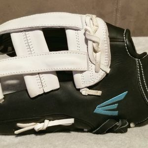 Easton Stealth Outfield Glove 12.75 Left Handed Throw Glove for Sale in Tigard, OR