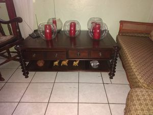 American signature Large wooden coffee table sofa table for any room for Sale in Miami, FL