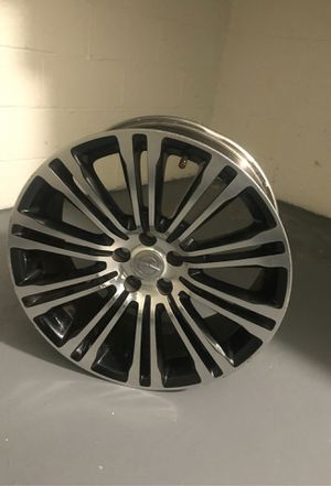 Chrysler black and chrome rims for Sale in Temple Hills, MD