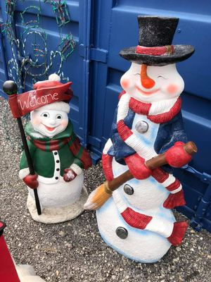 2 large christmas snowman statues for Sale in Bolingbrook, IL