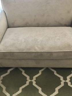 Love Couch With Twin Pull Out Bed for Sale in Oceanside,  CA