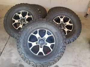 2019 Jeep Rubicon wheels & tires. Set of 5 for Sale in Phoenix, AZ