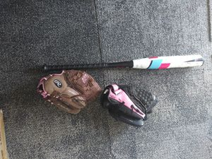 Softball bat 2 gloves for Sale in Houston, TX