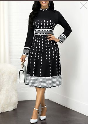 BEAUTIFUL AND ELEGANT DRESS WHITE AND BLACK BRAND NEW for Sale in Bakersfield, CA