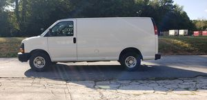 2011 chevy Express 2500 for Sale in Cumming, GA