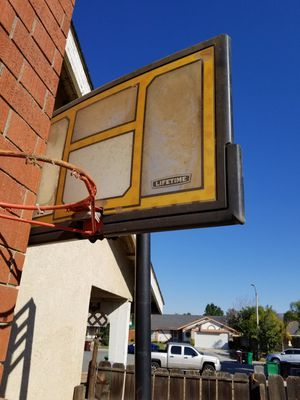 Portable basketball hoop for Sale in Moreno Valley, CA