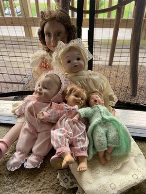 Antique dolls negotiate price for Sale in Moline, IL
