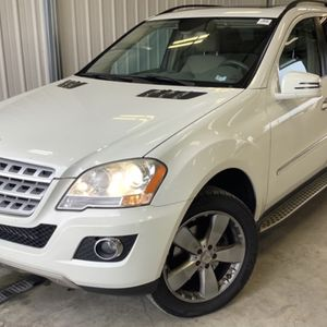 2011 MERCEDEZ ML350 4MATIC for Sale in Chicago, IL