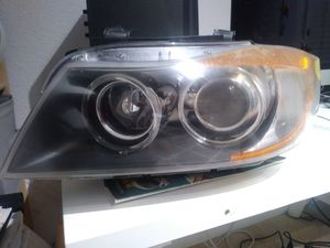 2006 BMW 325i Headlight Assembly ZKW for Sale in Lakeland, FL