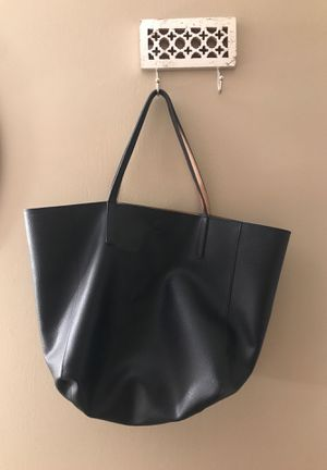 Black Faux Leather tote with magnetic clasp for Sale in Sandy, UT