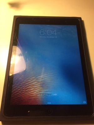 iPad Air 9-inch like new w/ charger for Sale in Lynchburg, VA