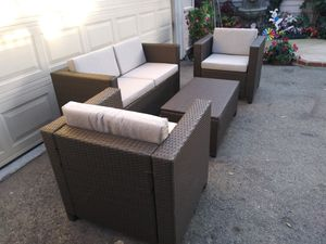 Outdoor patio wicker conversation set for Sale in Chatsworth, CA