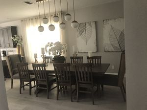 Dining room table brand new for Sale in Orlando, FL