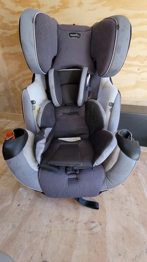 Car seat good through child's life for Sale in Puyallup, WA