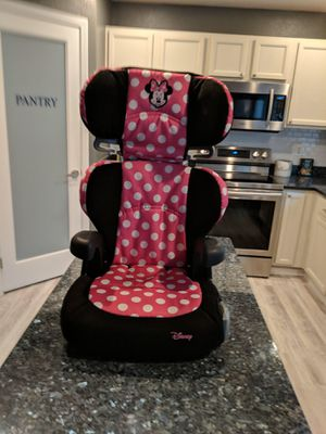 Minnie Mouse car seat for Sale in Puyallup, WA