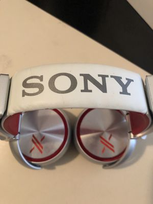 Sony MDRX10 headphones (xfactor) for Sale in Ellicott City, MD