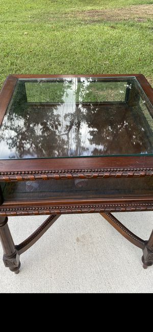 Antique glass curio table for Sale in Huffman, TX