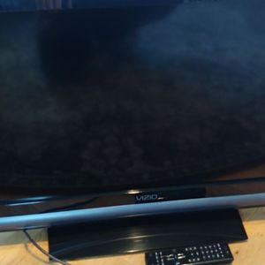 Vizio 32 Inch Tv for Sale in Bellevue, WA