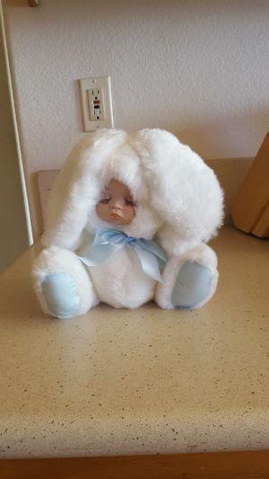 HouseOf Lloyd Porcelain Baby Face Snow Bunny Plush Xmas Musical Movable Vtg 1992 for Sale in Escondido, CA