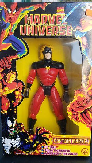 COLLECTIBLE MARVEL UNIVERSE CAPTAIN MARVEL ACTION FIGURE 1997 for Sale in Hacienda Heights, CA