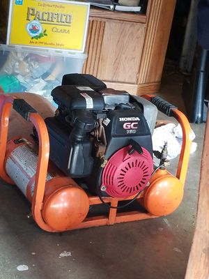 Gas operated air compressor for Sale in Lincoln Acres, CA