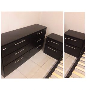 New dresser and nightstands for Sale in Hialeah, FL