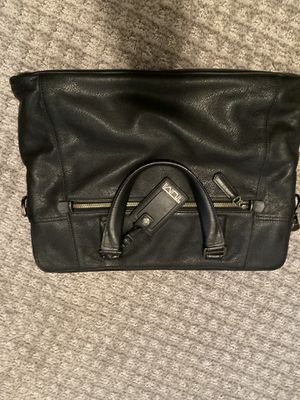 Tumi Black Leather Messenger Bag/Briefcase for Sale in Wayne, IL