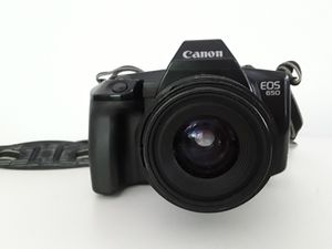 Canon EOS 650 Film camera fitted with Canon EF35-70 F3.5-4.5 c1990 for Sale in Carmichael, CA
