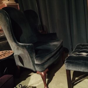 Wing Back Arm Chair Woodmark Originals for Sale in Seattle, WA