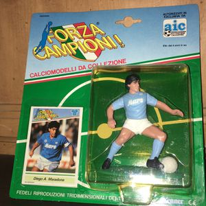 Vintage DIEGO MARADONA 1983 figure with card for Sale in Bell Gardens, CA