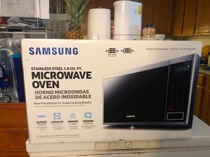 New Samsung microwave oven for Sale in Grove City, OH