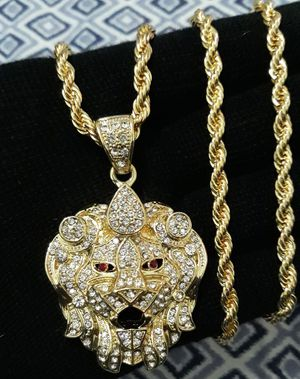 Icedout lion Head pendant with Rope chain for Sale in Los Angeles, CA
