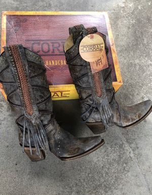 Corral Snip-toe Cowgirl Boots w/ Fringe. 9W (runs large). NWT and box. for Sale in Long Beach, CA