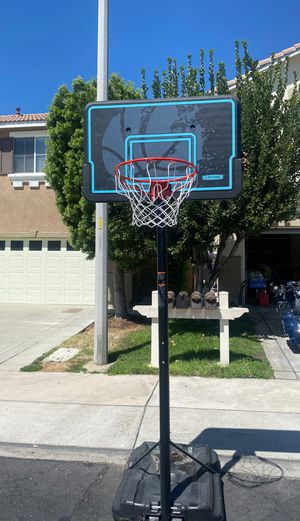 Free no holes needs to be picked up now for Sale in Rancho Cucamonga, CA