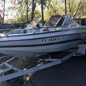 Glastron Fish & Ski Boat for Sale in San Antonio, TX