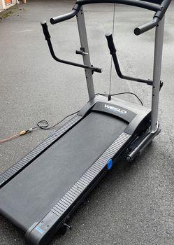 Weslo Crosswalk 5.2T Treadmill for Sale in Lynnwood,  WA