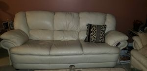 White leather sofa and love seat . for Sale in Miramar, FL