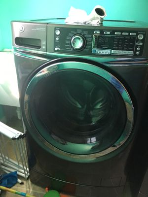 GE washer and dryer for Sale in Le Claire, IA