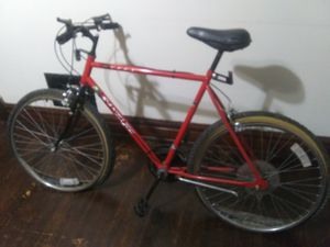 V9ntage huffy sante fe mountain bike for Sale in St. Louis, MO