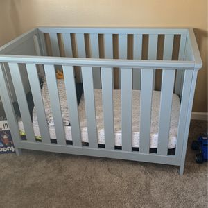 Gray Baby Crib And Changing Table for Sale in Las Vegas, NV