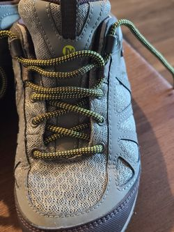 Merrell Womens Size 7 Hiking Shoes for Sale in Clovis,  CA