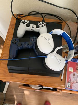 Ps4 for sale or willing to trade for Apple phone for Sale in Oceanside, CA