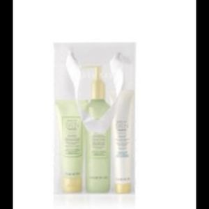Mary Kay Citrus Satin Hands Set for Sale in Selma, AL